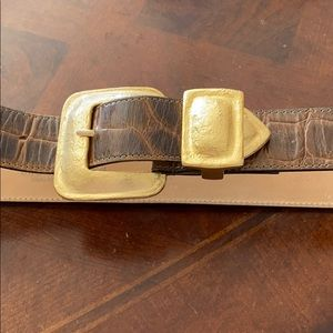 Streets Ahead S brown with gold buckle belt